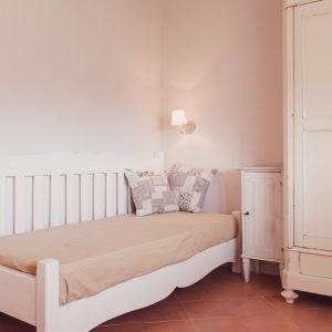 Letto singolo, in legno massello - Appartamento in affitto Grecò - GH Lazzerini Holidays, San Vincenzo, Toscana