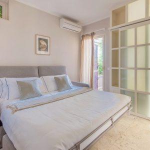 Ostro Wohnung, Einrichtung mit hochwertigen natürlichen Materialien. San Vincenzo, Toskana
