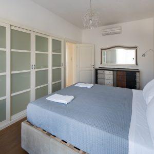 Camera da letto matrimoniale, appartamento Ostro - GH Lazzerini Holidays, San Vincenzo, Toscana