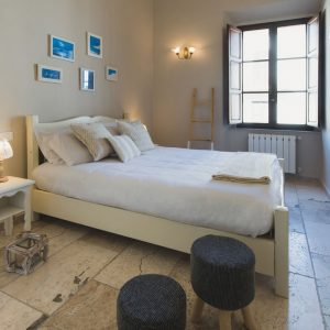 Interno Palazzo degli Archi camera matrimoniale - GH Lazzerini Holidays, San Vincenzo, Toscana