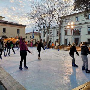 La pista di pattinaggio su ghiaccio a San Vincenzo