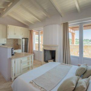 appartamento in stile classico, con finiture di pregio