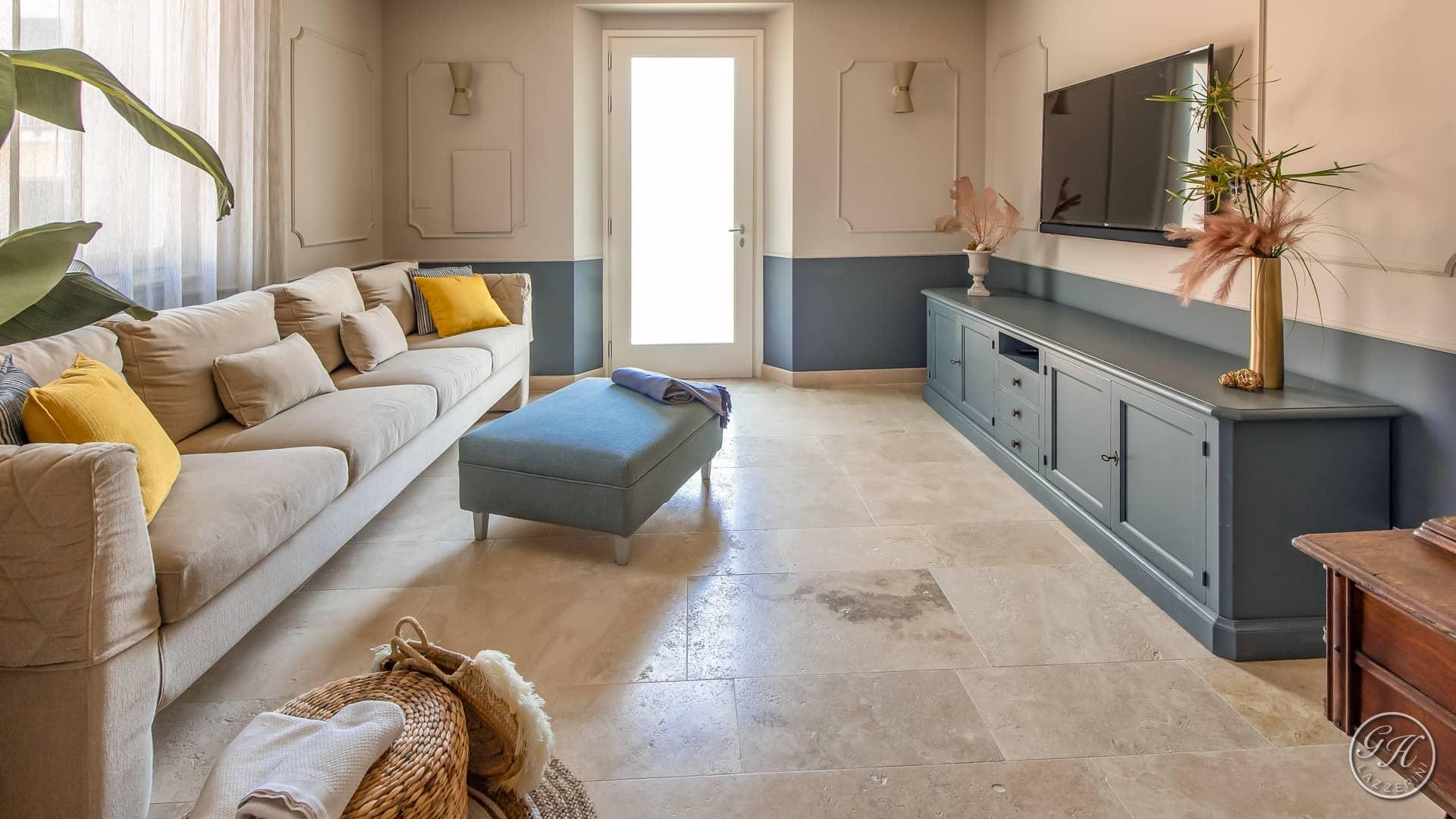 La sala di Antea Apartments, stile classico, colori e materiali naturali. Design GH Lazzerini. GH Lazzerini Holidays